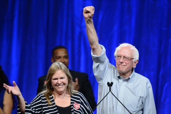Bernie-Sanders-hires-African-American-press-secretary-after-Black-Lives-Matter-protest