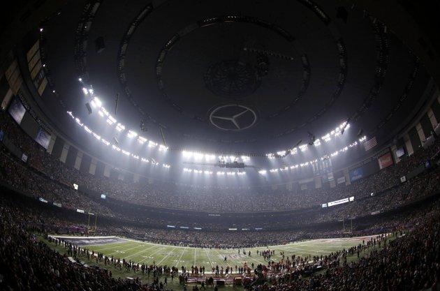 2013-02-04T031034Z_1332428_TB3E92408TF7P_RTRMADP_3_NFL-SUPERBOWL[1]
