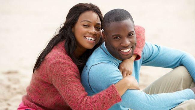 f5098_black-couple-hugging-date-16x91